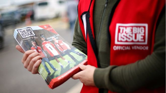 Big Issue sellers to accept contactless payments _1086611