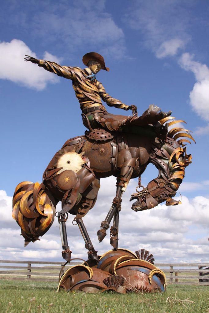 Unusual sculptures. Artist10