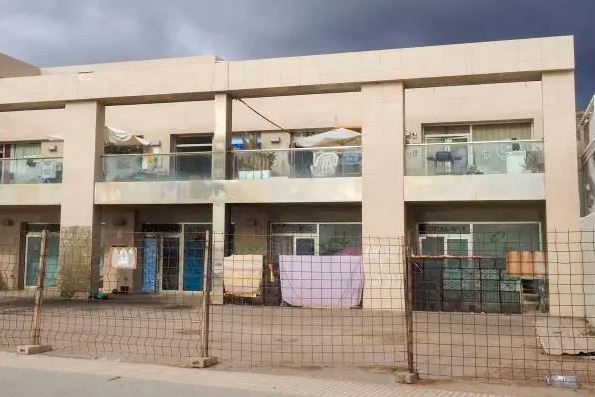 Squatters to be evicted from Los Tarajales shopping centre, Los Cristianos. Capt1197