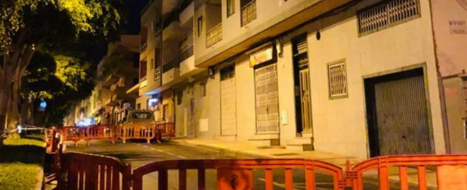 Building evacuated and cordoned off in El Fraile after residents feel it shaking Elfrai10