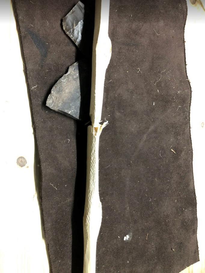 Rotura entre dos nudos en un arco de fresno. 311