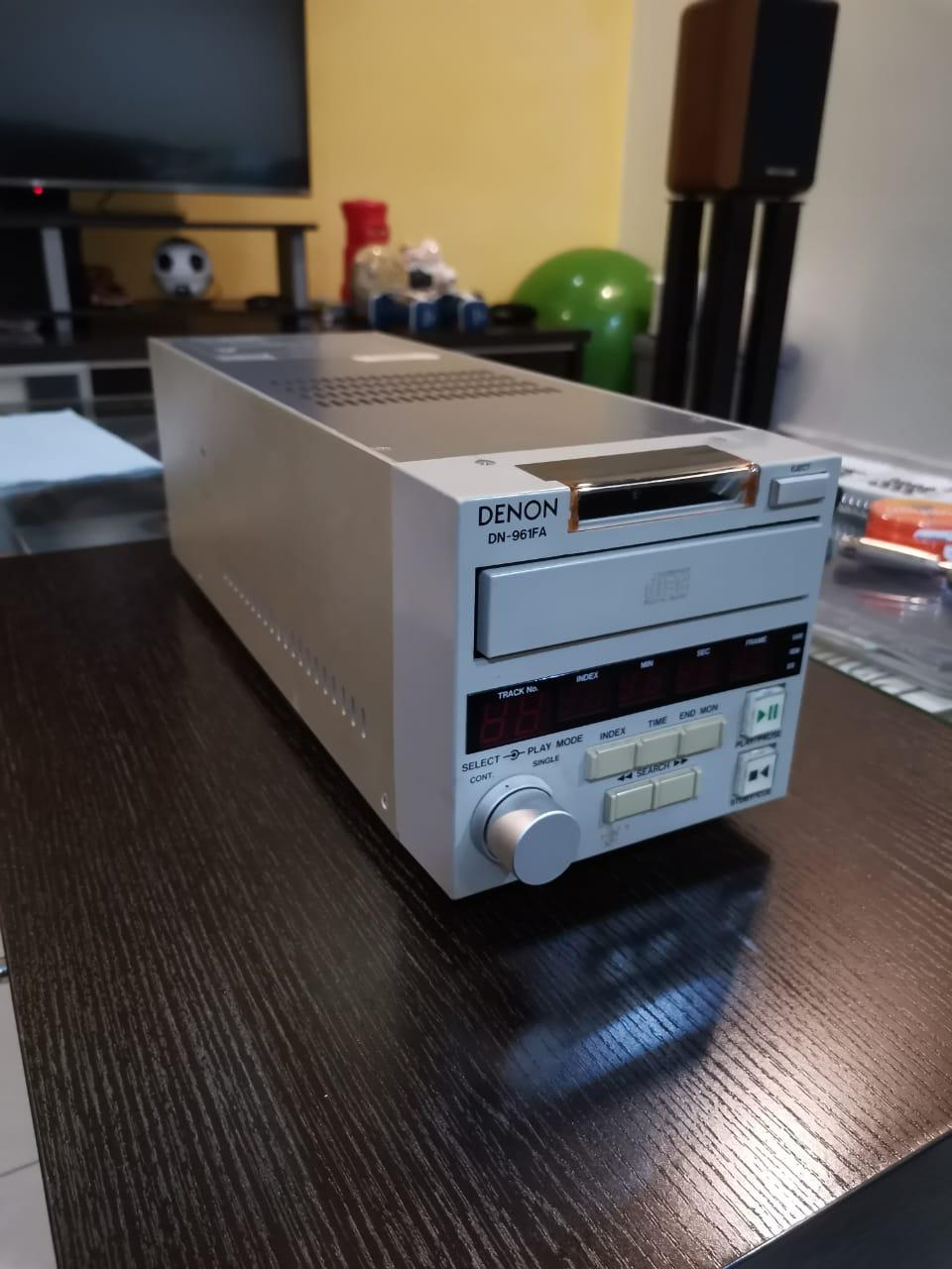 Denon DN-961FA Broadcasting studio CD Player (Sold) Denon_10