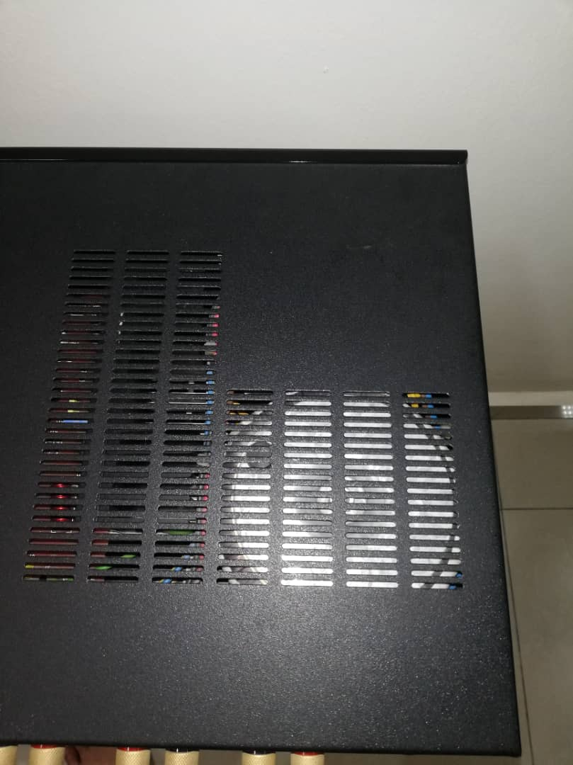 B&W Aura Evolution VA-100 MK II Integrated Amplifier Image013