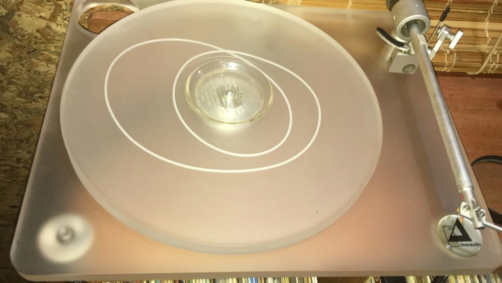 Clearaudio Emotion Turntable with upgraded CMD version Image021