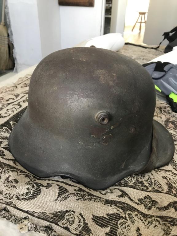 Stahlhelm 18 à échancrure  Fe053610