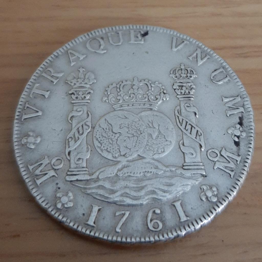 Mi 1er columnario: 8 reales 1761. Carlos III. México 20200730