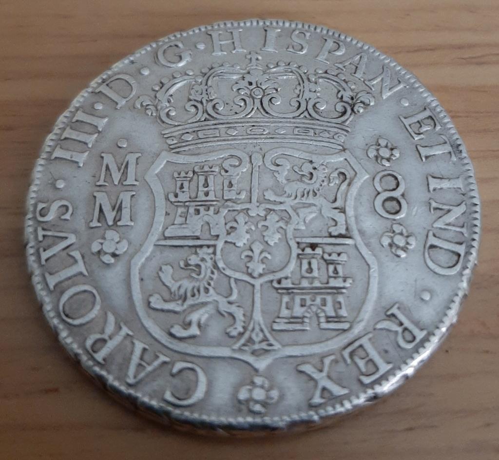 Mi 1er columnario: 8 reales 1761. Carlos III. México 20200731