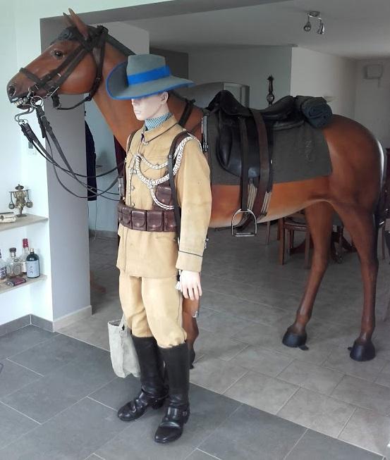 Uniformes et équipements des Troupes coloniales 4510