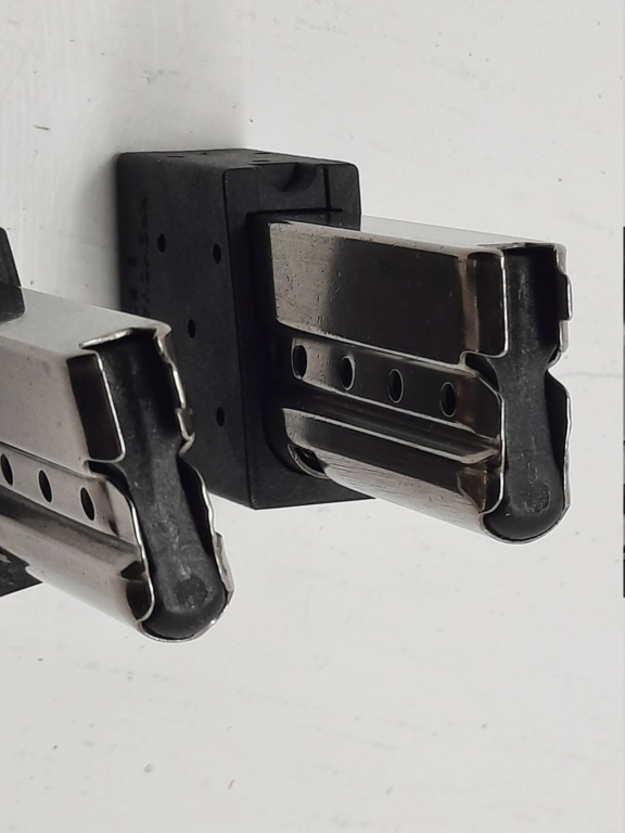 F/S 2 Benelli mp95e 9 round mags As New  20210714
