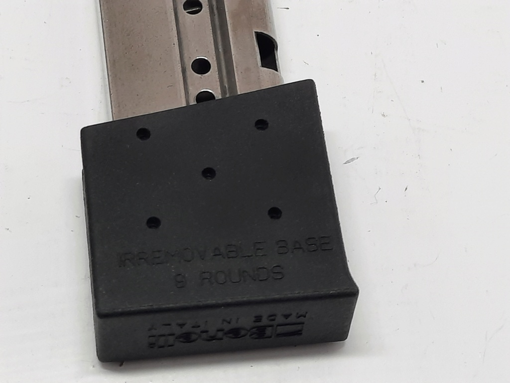 F/S 2 Benelli mp95e 9 round mags As New  20210715