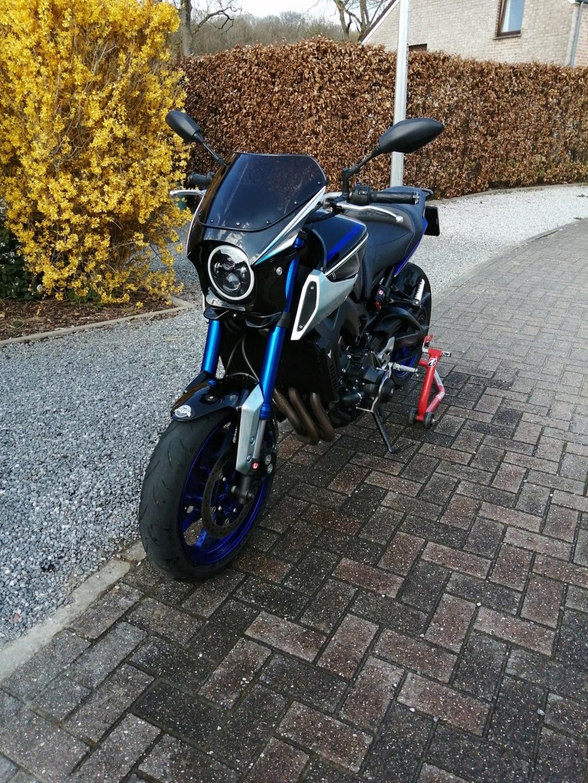 Photos de toutes les Yamaha XSR 900 du forum ! :) - Page 2 Img_2019