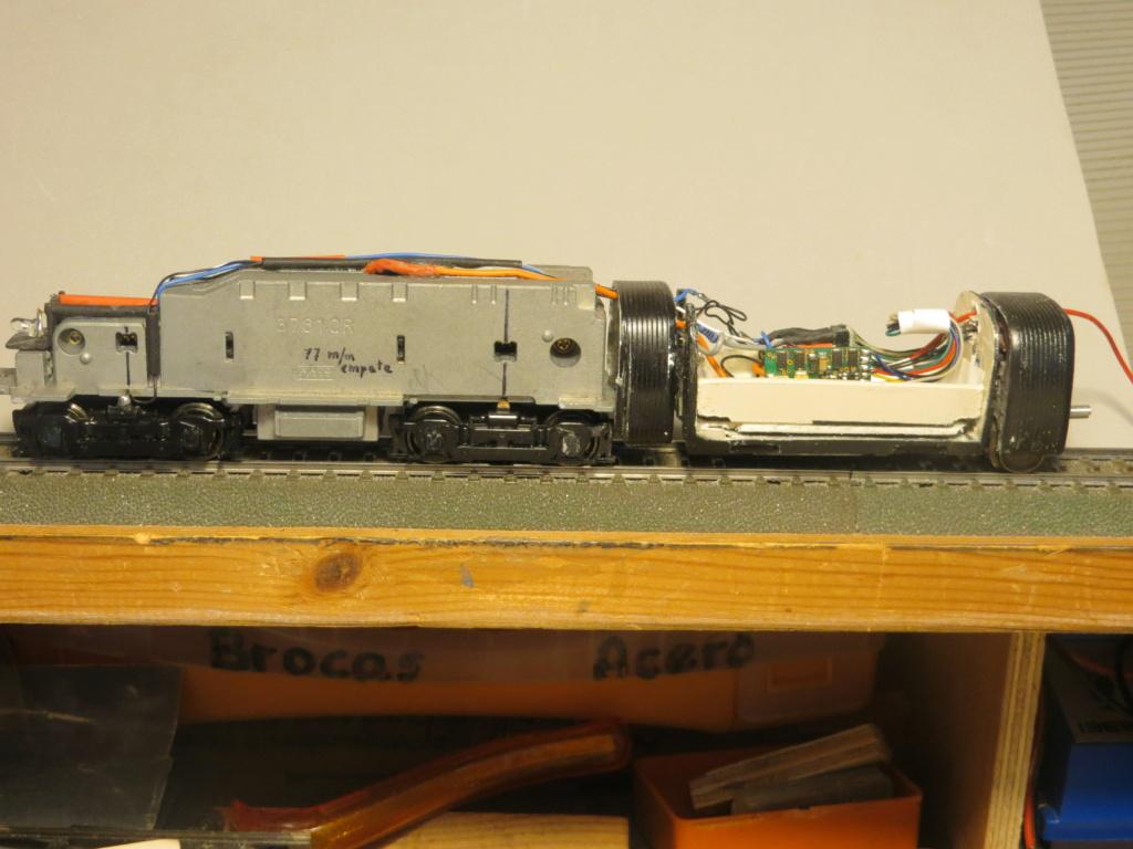 Iluminación convoy desde locomotora - Página 5 Img_3914