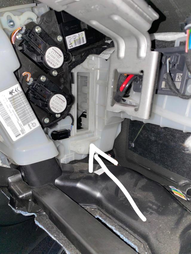 Cambio filtro antipolline abitacolo F261a610