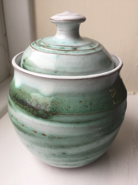 Lidded Pot with no marks 1df93810