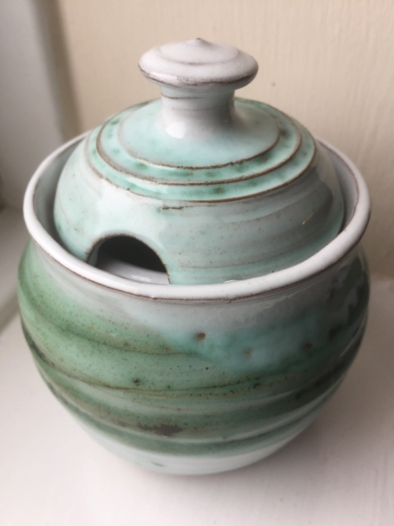 Lidded Pot with no marks 2d42a910