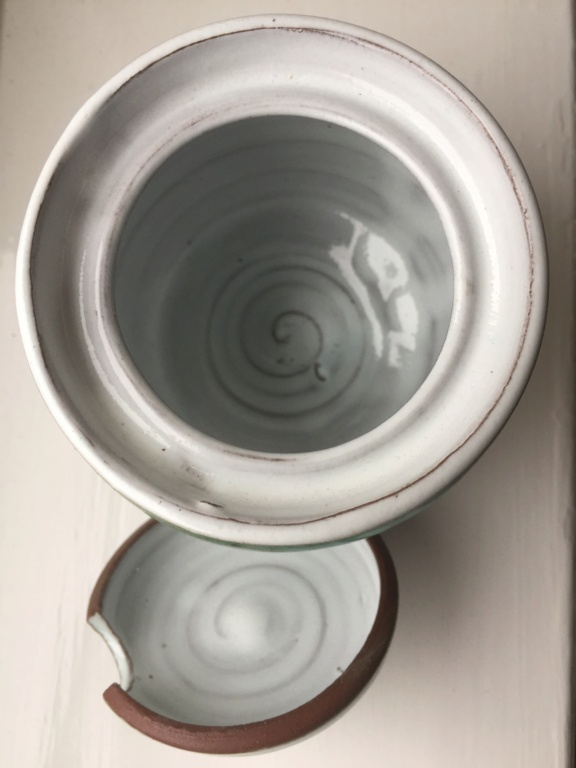 Lidded Pot with no marks 5eb60310