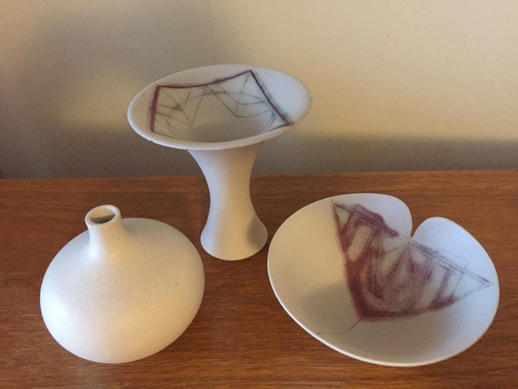 Studio pottery group, LK mark - Laurel Keeley  Ca7aa710