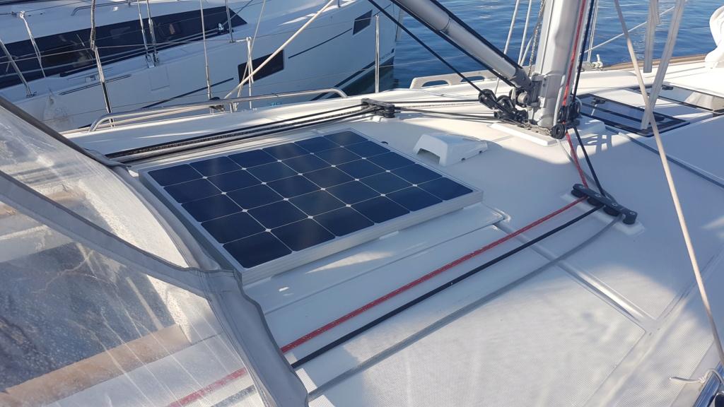 Oceanis 38.1 panneaux solaires  Pannea10