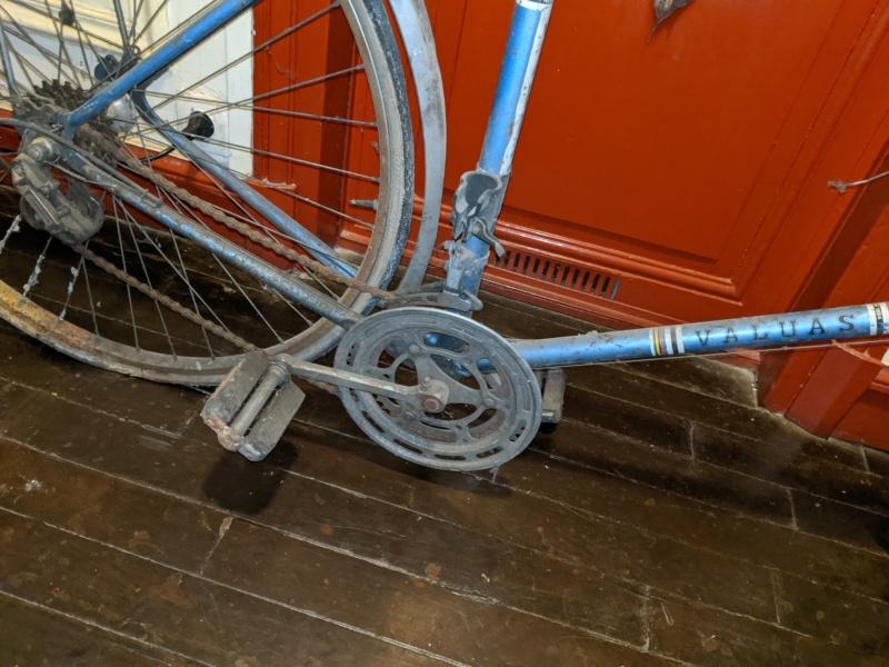 La cave à vélos du ferrailleur ! Img_2024