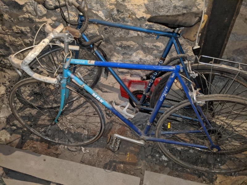 La cave à vélos du ferrailleur ! Img_2025