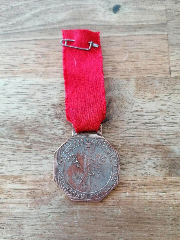 Medaille federation Martial de 1790 et plaque en laiton  Img_2068