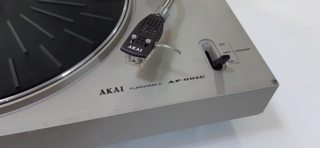 Giradischi Akai AP-001C che non si ferma. 0ed8d310