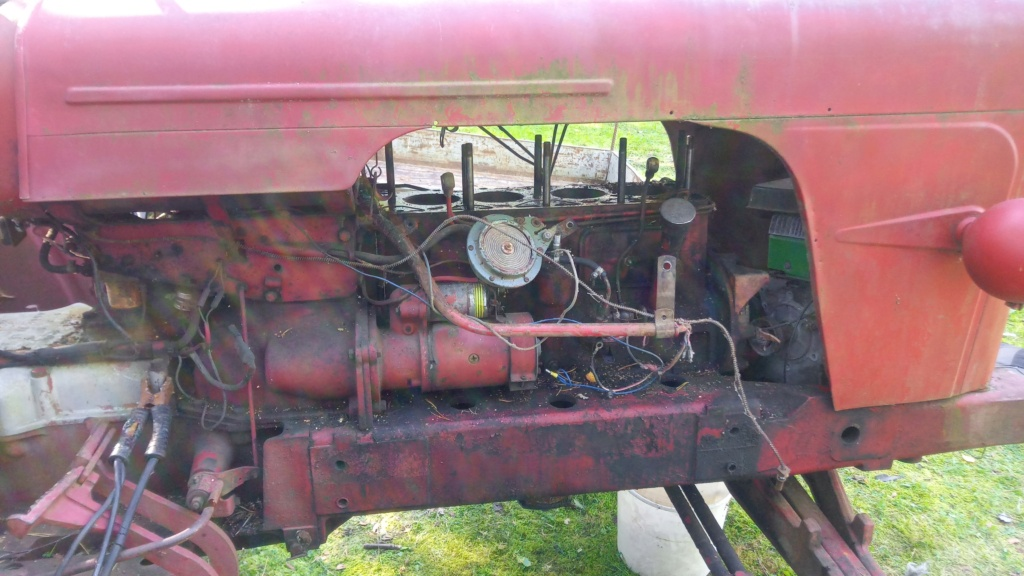 DB 950 Implematic moottorin vaihto Img-2011