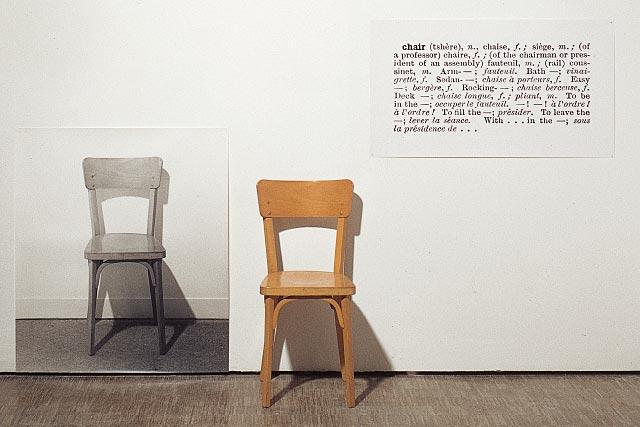Le motif de la chaise dans l'art Kosuth11