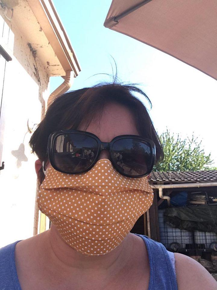 pour la une , concours masque pour le 11 mai  94911510