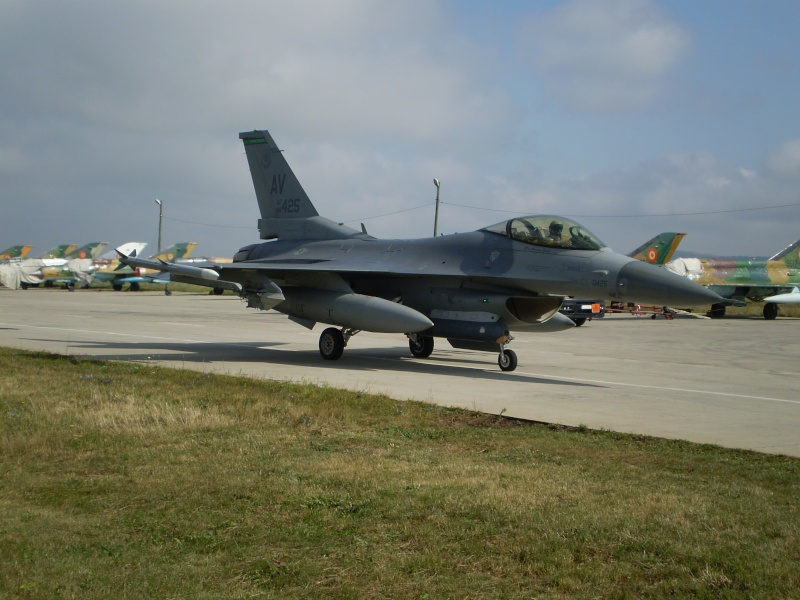 F-16 la Baza 71 Campia Turzii P8250210