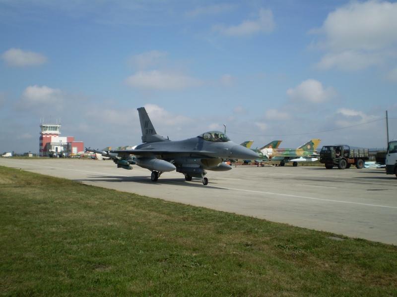 F-16 la Baza 71 Campia Turzii P8250211