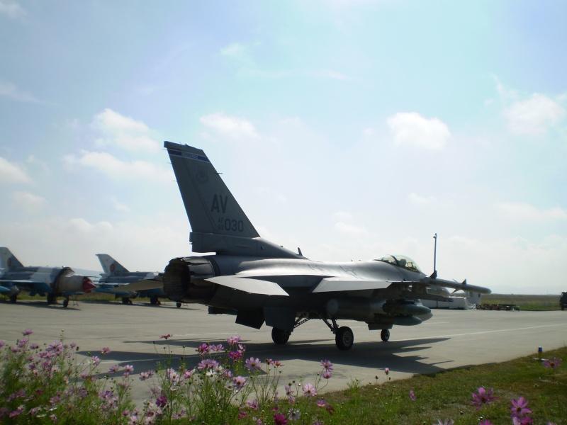 F-16 la Baza 71 Campia Turzii P8250310