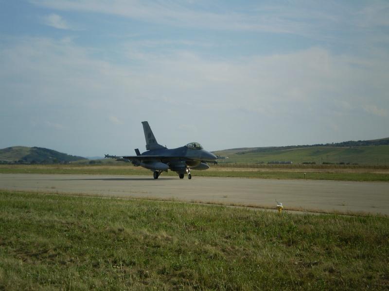 F-16 la Baza 71 Campia Turzii P8250315
