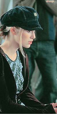 Kiera Knightley Sans-100