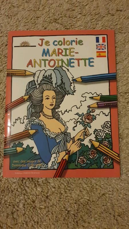 Un livre de coloriage sur Marie-Antoinette 02_00e11