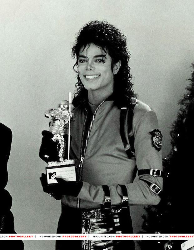Il sorriso di Michael - Pagina 40 581110