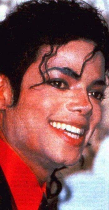 Il sorriso di Michael - Pagina 40 Doodoo10