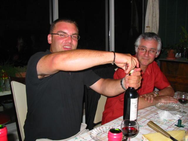 3 vignerons (gnafrons . . .) à BAYONNE !!!!!!!! Vigner16
