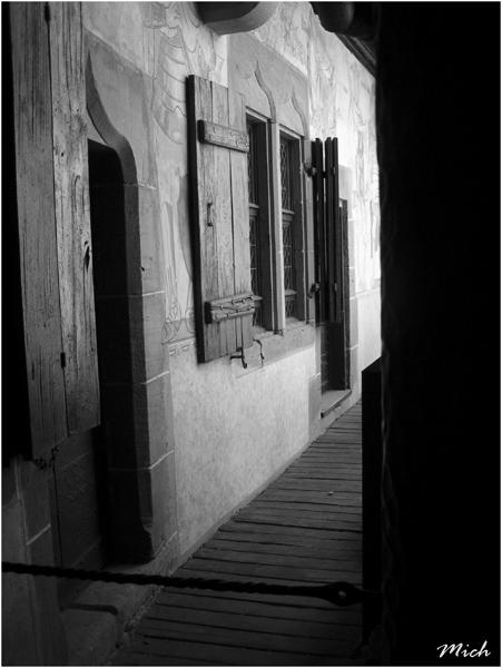 Portes fenêtres et escaliers. Chatea10