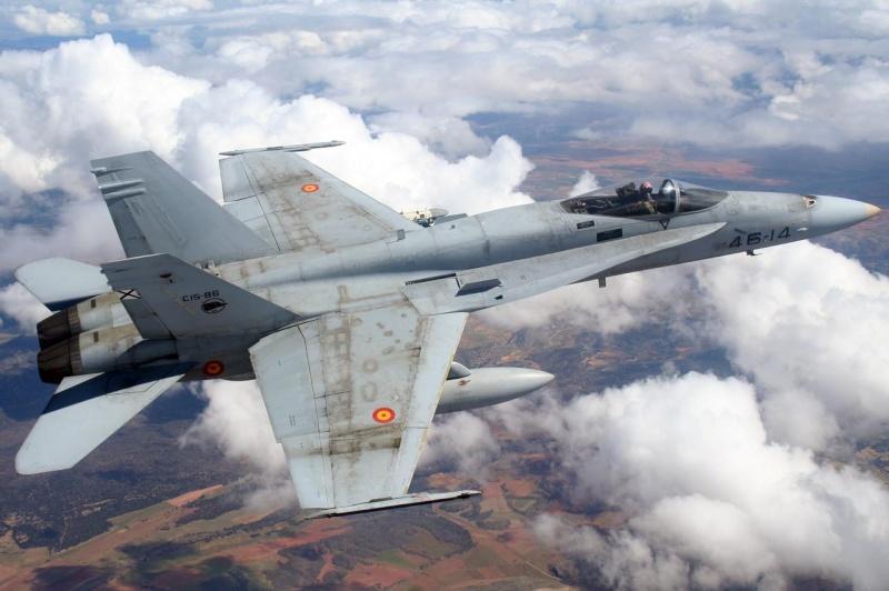 Deux F 18 Hornet au large de Pea Island, North Carolina - USA F_18_h11