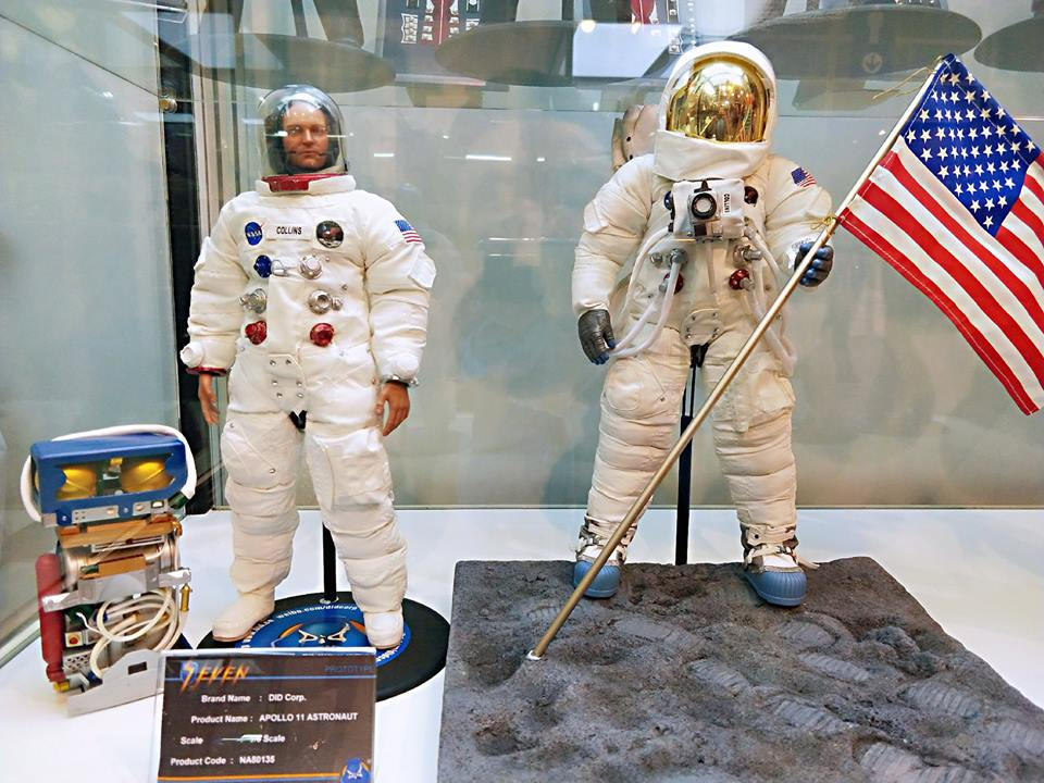Astronaute Apollo 11 1/6 DID - Page 2 38003710