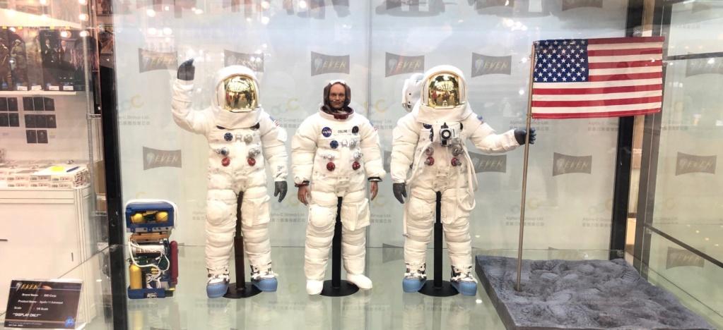 Astronaute Apollo 11 1/6 DID - Page 2 48312810