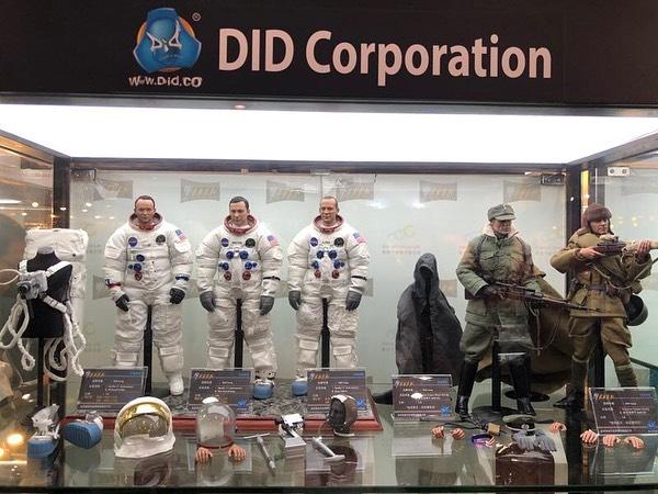 Astronaute Apollo 11 1/6 DID - Page 3 67229810