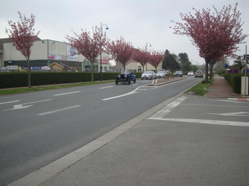 Vues dans la rue par hasard - Page 5 Dsc01710