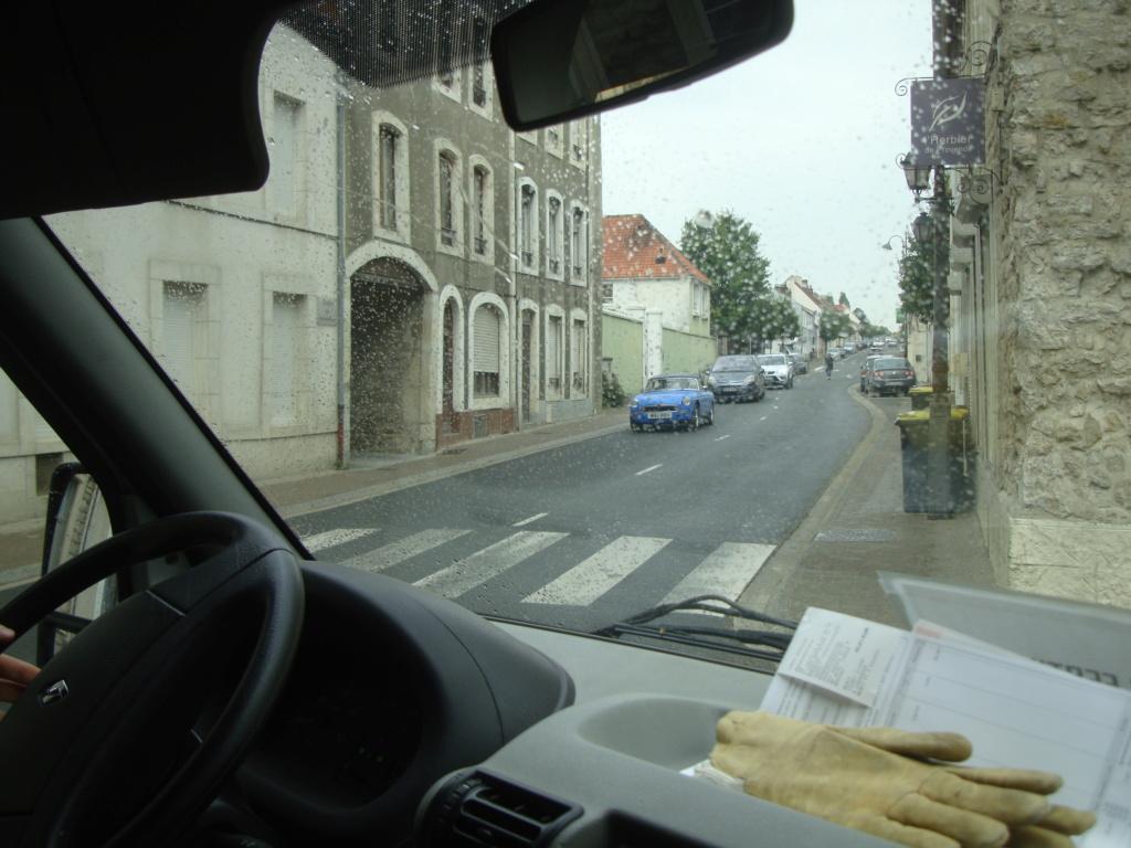 Vues dans la rue par hasard - Page 3 Dsc08010
