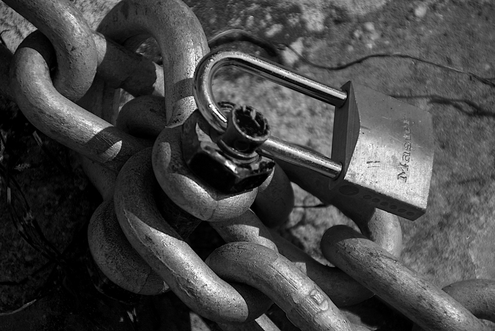 Chaines et cadenas. D72_3921