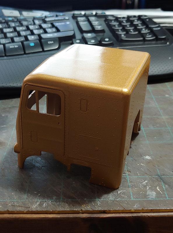 White freightliner custom!!!  Cab210