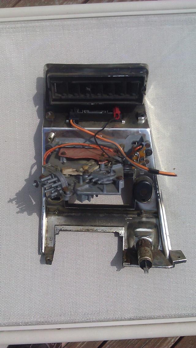 FOR SALE:  '73-'77 Cutlass Dash Radio Panel - NICE! 7376cu12