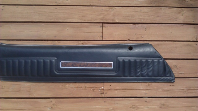 For Sale - LH Upper Door Panel w/Woodgrain 7377ch12