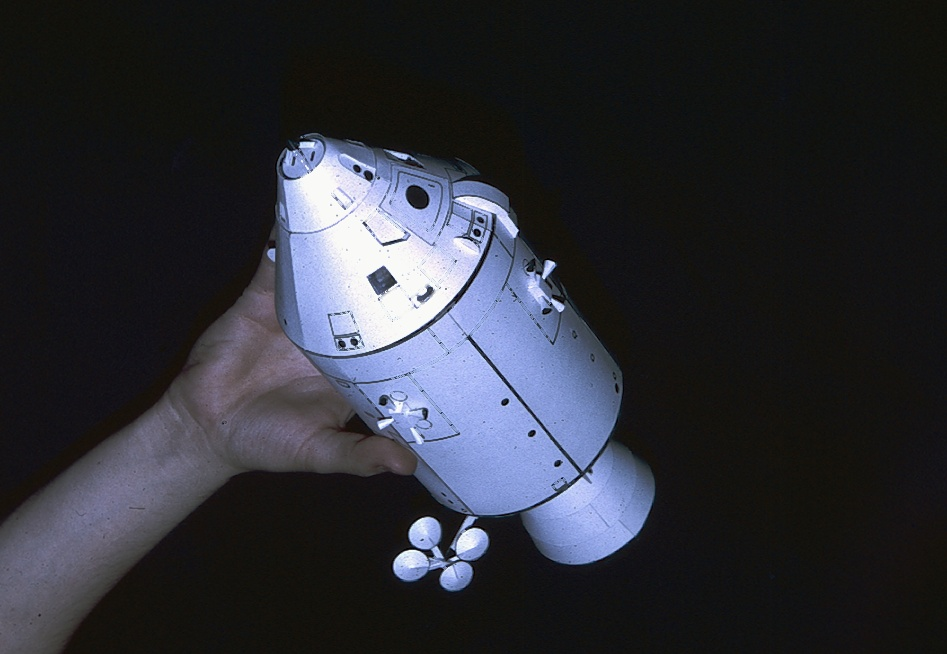 Vos collections de maquettes sur le spatial Csm80210